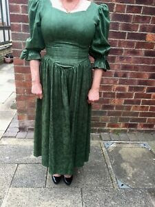 Laura Ashley Vintage Green Floral Full Circle Dress Size 18