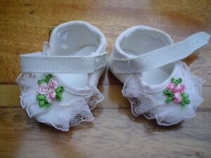 WHITE LACE DOLL SHOES WITH ROSE DESIGN