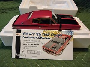 1:18 Classic Carlectatables 1971 Chrysler Charger Magenta E38 R/T BIG TANK