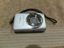 Canon Powershot SD1200 IS 10MP Digital Camera - Silver w/Battery