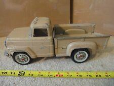 Rare! Vintage Hubley diecast step side pickup truck, farm truck vehicle.
