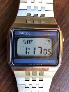 Vintage Seiko F051-5010 LCD All Stainless Working Men's Watch Day Date