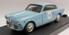 Véhicules miniatures bleus pour Alfa Romeo 1:43