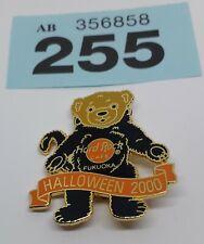 (255) Fukuoka 🇯🇵 Halloween 2000 Teddy Bear Black Cat Hard Rock Cafe Pin