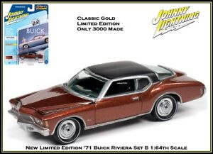 Johnny Lightning 1:64th Scale Diecast Car '71 Buick Riviera By Auto World