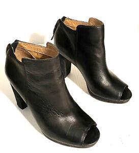 Corso Como Edie Peep Toe Booties Black Leather Ankle Boots Zip Block Heel Size 7