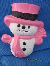 VINTAGE WONDERFUL AVON SNOWMAN CHILDREN'S PERFUME GLACE RESIN PIN.. .7271
