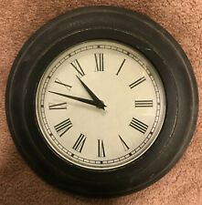 Wall clock 12 in metal with Roman numerals