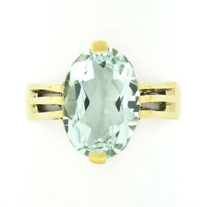 Vintage 18K Gold 4.35ct Oval Cut Aquamarine Solitaire Ribbed Sides Cocktail Ring