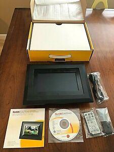 """Kodak Easy Share SV811 8"""" Digital Picture Frame - 128MB"""