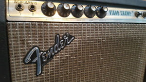Fender Vibro Champ - Combo Verstärker - Vintage Röhren Amp Gitarre  Bass 70er ?