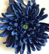 un Noir Chrysanthème fleur élastique à cheveux/Bobble