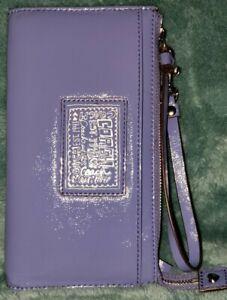 Auth💥LNC💥Coach Poppy Periwinkle Blue Pat Lthr Multi Pocket Lrg Wristlet/Wallet