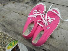 CLASSIQUES VANS t 41 ROSES  TBE  A 12 € ACH IMM BE FP RED MOND RELAY COLLECTOR