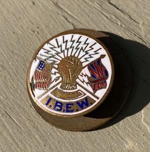 IBEW PIN LAPEL ENAMEL USA BRITISH UNION TRADE PIN LAPEL PORTSMOUTH NH SCREWBACK
