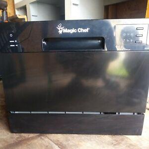 Magic Chef MCSCD6b5 black Counter-Top Dishwasher