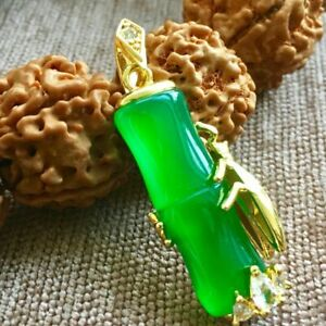 China Natural Green Jade Hand-carved Harmony Lucky Pendant AAA