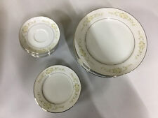 Fine China of Japan Lady Carolyn 30 Plates 10 Each Saucer, Dinner Plate, Bread
