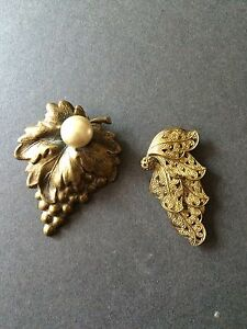 VINTAGE DRESS CLIPS GOLD ANTIQUE LOOK FAUX PEARL FILIGREE