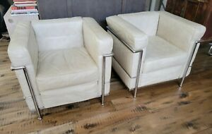 Vintage 1928 Le Corbusier LC2  Petit Style Lounge Chairs 1985 in White, a Pair