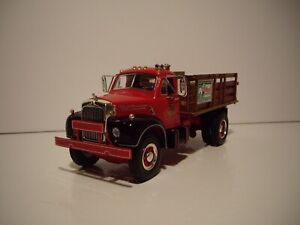 FIRST GEAR 1/34 MACK B-61 RED AND BLACK MACK TRUCKS STAKE TRUCK WITH BOXES