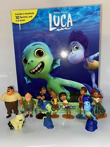 DISNEY PIXARS LUCA BOOK WITH 10 PLASTIC FIGURES INCLUDED IDEAL FOR CAKES