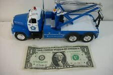 First 1st Gear 1:34 - Mack 1960 B-61 Tow Truck Chicago Police - 1999 - 18-2452