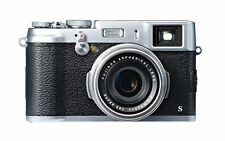 Fujifilm X100S 16.3MP Digital Camera - Silver + case + 32GB SDHC