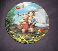 """MJ Hummel Plate """"Surprise"""" Little Companions, Danbury Mint - 1990"""