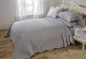 Vivente Home 'Athena' Quilted Bedspread Set - Silver (250 x 250 cm)