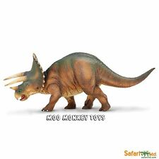 TRICERATOPS Safari Ltd #284529 Prehistoric World Dinosaur Replica  NIP