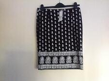 Ladies Skirt Size 10 ROCKMANS BNWT