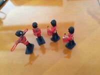 RS01..4 x SOLDIER BAND MEMBERS WITH INSTRUMENTS LONE STAR HARVEY SERIES...£29.99