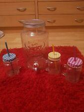 Getränkespender+Gläser