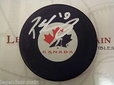 Patrick Sharp Team Canada Chicago Blackhawks Signed Logo Puck LOM Hologram COA