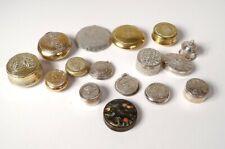 Lot 16 petites boîtes poudriers pilule Coty Paris fleurs femmes métal XIXè