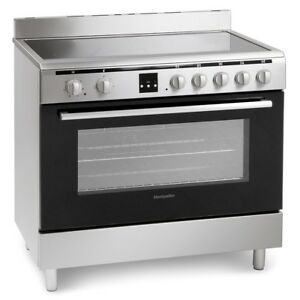 MONTPELLIER MR90CEMX STAINLESS STEEL ELECTRIC CERAMIC RANGE COOKER-STOCK DUE FEB