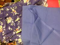 lot neufs  tissus assortis ,bleu et fleurs  pour créations de petits vétements