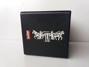 Wristwatch men's levis strauss case box