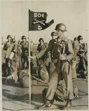 USA, Members of the 506th Airbone Battle Group  Vintage .  Tirage argentique