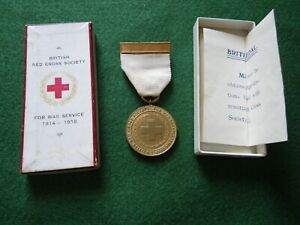 WW1 BRITISH RED CROSS WAR SERVICE MEDAL WITH ORIGINAL BOX.
