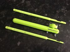 Matchman Hook Tyer in Red, Green or Blue and 2 Exceed Disgorgers in Green