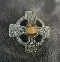 VINTAGE Scottish Celtic Cross Brooch Pin caramel banded Glass Stones 2207