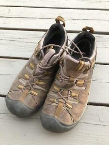 Keen men's 9.5 hiking shoes leather Targhee?