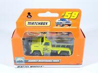 Matchbox #59/79 Highway Maintenance Truck Yellow w/Plow International Box NEW