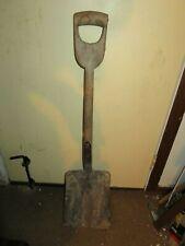 """Vintage """"D"""" Shape Handle Farm Shovel,Country Lawn,Garden, Wood Handle,Decor 37"""""""