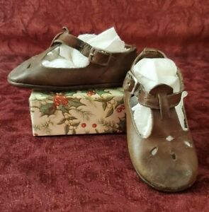 Vintage/Antique Brown Leather Pair of Girls Buckle Shoes or Large Doll Shoes
