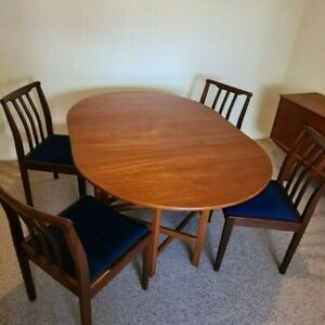 Jentique Gate Leg Dining Table and 4 matching chairs, Teak, very good condition