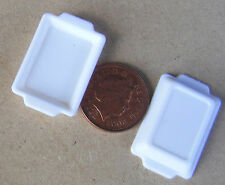 1:12 Scale 2 White Plastic Food Trays Tumdee Dolls House Kitchen Accessory H&W