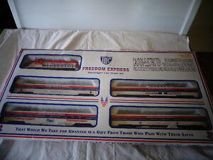 IHC  HO SCALE FREEDOM EXPRESS PASSENGER CAR TRAIN SET 1776-1976 READY-TO-RUN SET